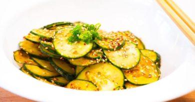 Summer Low-Calorie Recipe: Korean Spicy Cucumber Kimchi Salad